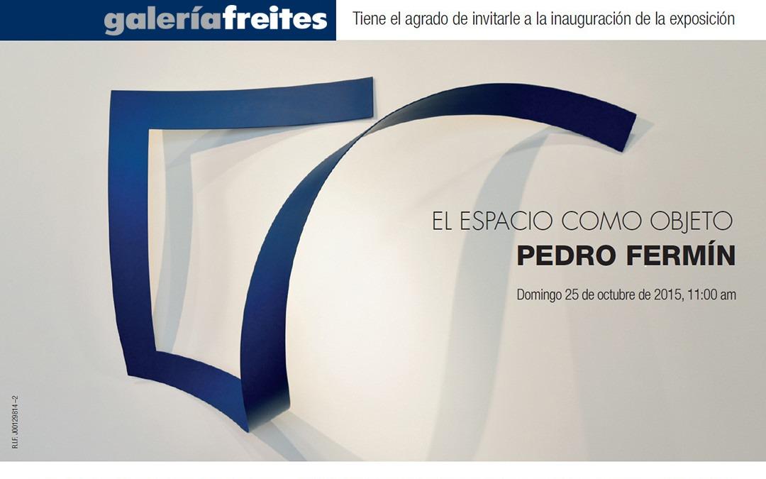 Las cintas de Pedro Fermín juegan con el espacio de la Galería Freites